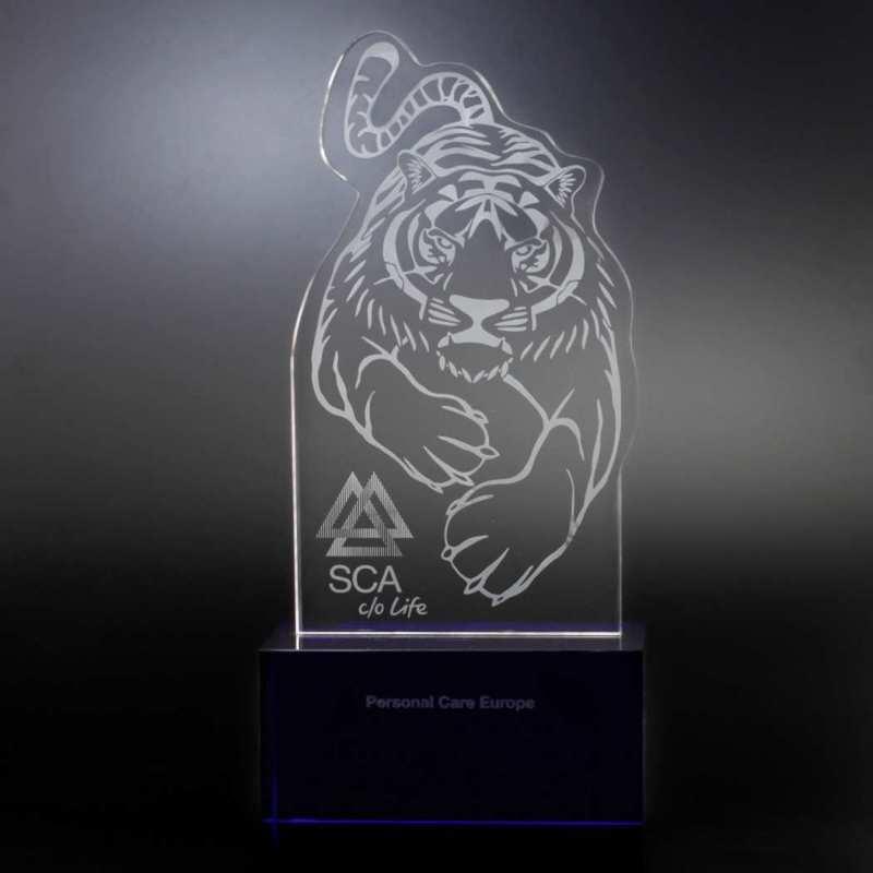 sca-tiger-kristallglas-formschnitt