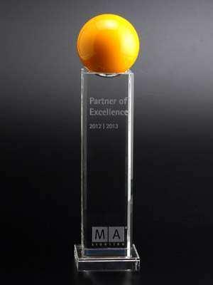 kristallglas-sonderanfertigung-mit-kugel