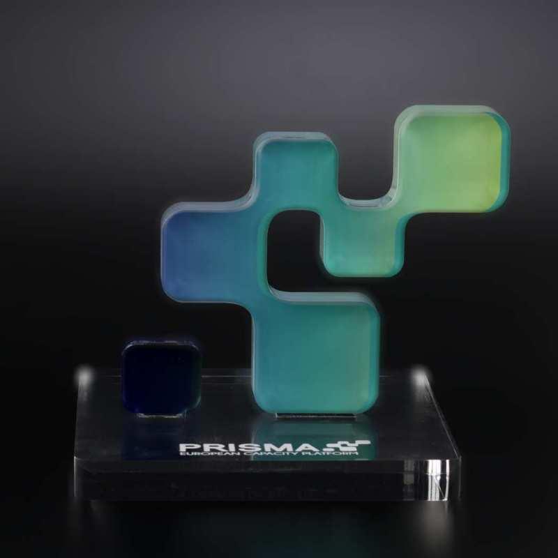 stylische Design-Trophäe aus Acrylglas