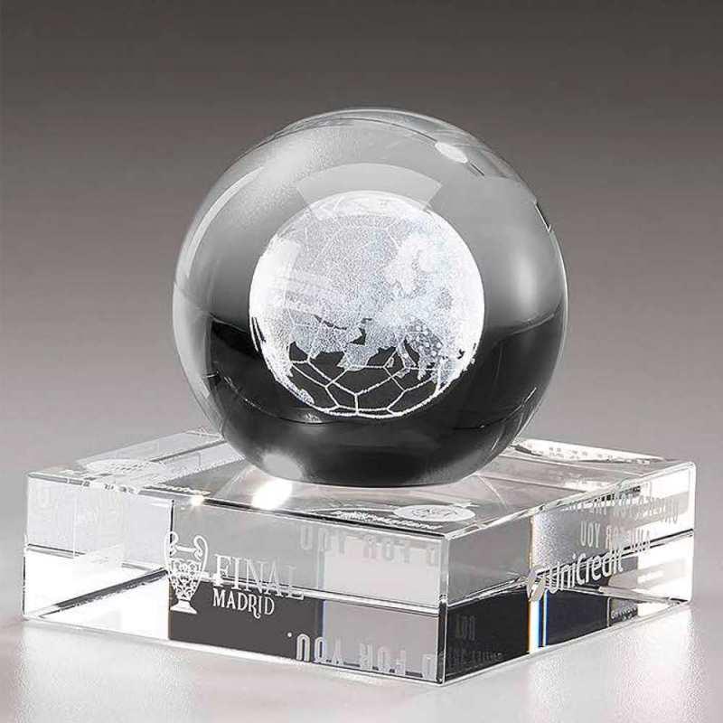 Kristallglas-Kugel mit 3D-Innengravur